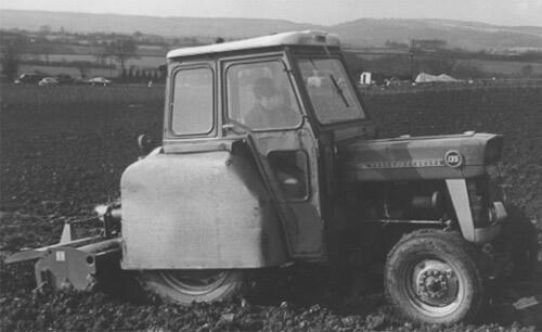 Cilla Tractor Driving